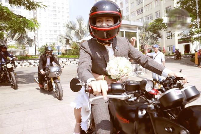 Le ruoc dau bang dan xe moto cua Khoi My va Kelvin Khanh hinh anh 6