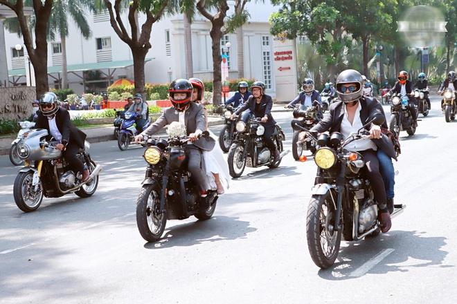 Le ruoc dau bang dan xe moto cua Khoi My va Kelvin Khanh hinh anh 7