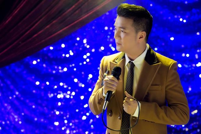 Dam Vinh Hung truot giai MTV EMA 2017 truoc doi thu Philippines hinh anh