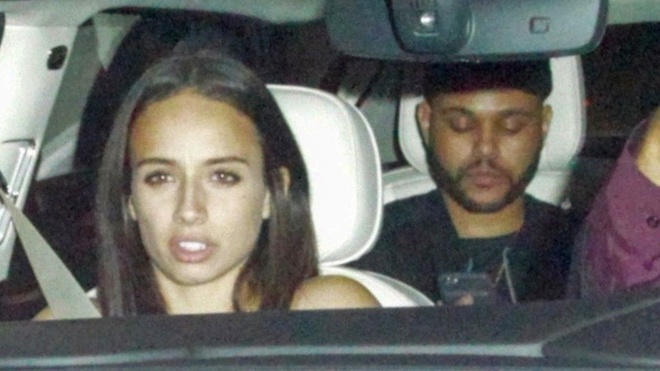 Chia tay Selena Gomez, The Weeknd hen ho ban gai cu cua Justin Bieber hinh anh