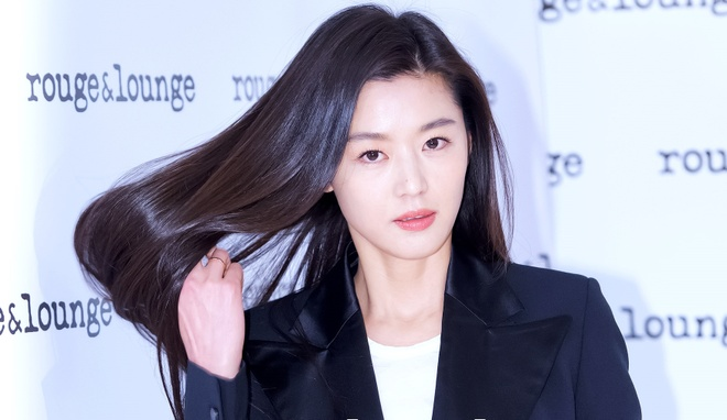 'Nu hoang quang cao' Jun Ji Hyun ha sinh con trai thu hai hinh anh 1