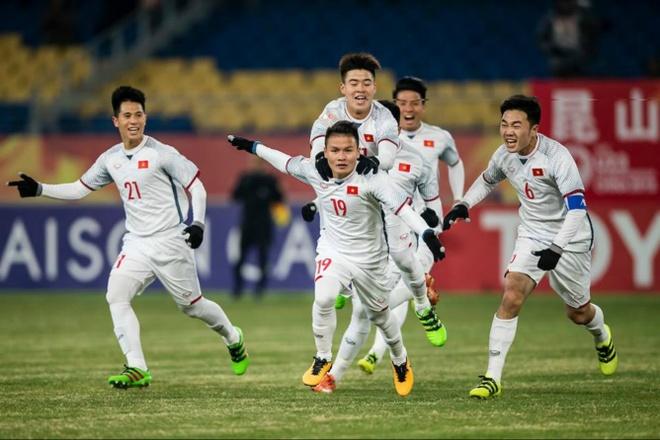 U23 Viet Nam va the he sneakers hinh anh