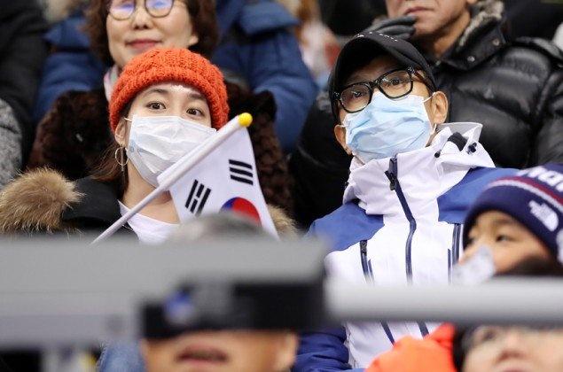 Lee Byung Hun va vo xem olympic 2018 anh 1