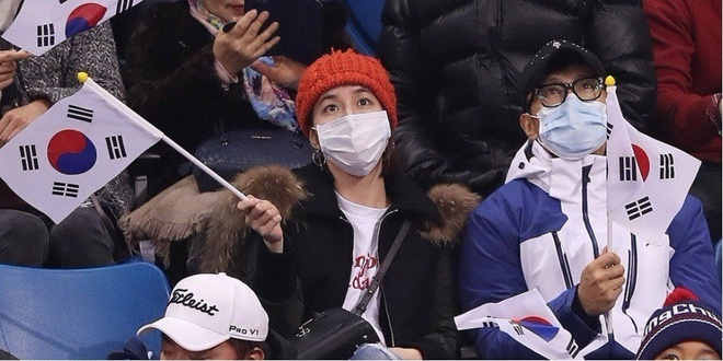 Lee Byung Hun va vo xem olympic 2018 anh 2