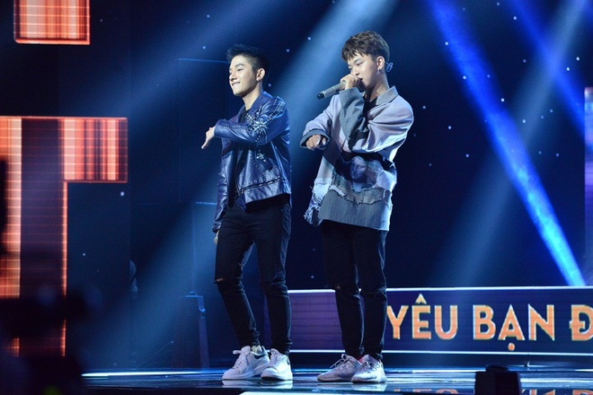 Ca khuc ve doi tuyen U23 VN gay chu y trong Sing My Song mua 2 hinh anh