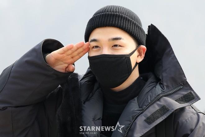 Taeyang (Big Bang) quy goi chia tay fan, len duong nhap ngu hinh anh
