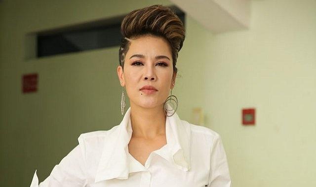 Thu Phuong hat 'Nguoi la oi' de chinh phuc 'soai ca' Thuy Sy hinh anh