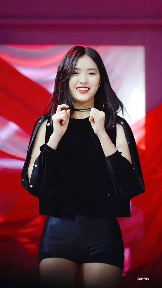 Nhan sac noi troi khien fan mong doi cua dan thuc tap sinh JYP hinh anh 3