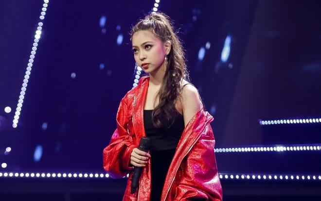 Ban gai tien ve U23 Quang Hai tham gia show Duc Phuc lam giam khao hinh anh 1