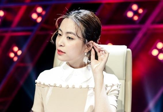 Hoang Thuy Linh che Duc Phuc: 'Con non va xanh lam' hinh anh