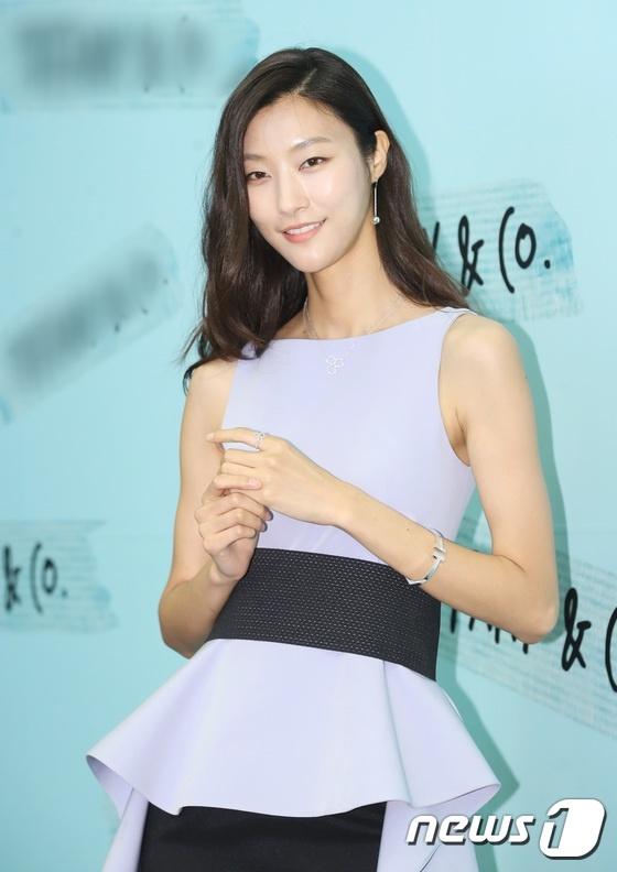 'My nhan dao keo' Park Min Young quyen ru trong su kien hinh anh 8