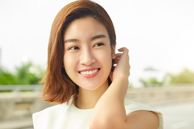 Do My Linh, Phuong Ly nang dong o san bay sang Han Quoc hinh anh
