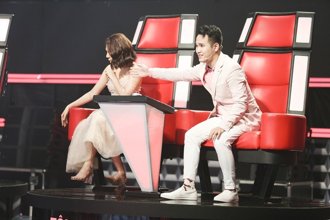 Cau be 12 tuoi hat opera duoc HLV The Voice Kids gianh giat hinh anh 2