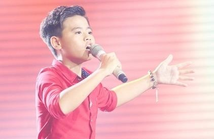 Cau be 12 tuoi hat opera duoc HLV The Voice Kids gianh giat hinh anh