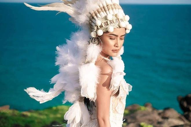 'Fall In Love' cua Hoang Thuy Linh: MV dau tu nhung nhac khong moi me hinh anh