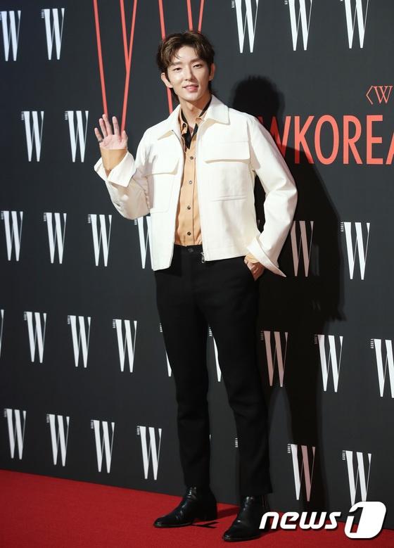 Minh tinh Kim Hee Sun mac kho hieu trong su kien toan sao hang A hinh anh 9