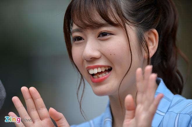 Nhom nhac noi tieng nhat Nhat Ban AKB48 xinh dep tren san khau Viet hinh anh