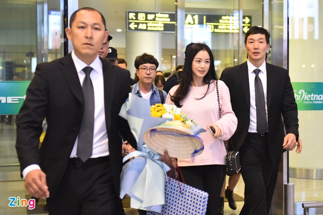 Kim Tae Hee rang ro chao fan Viet khi toi Ha Noi luc toi muon hinh anh 1