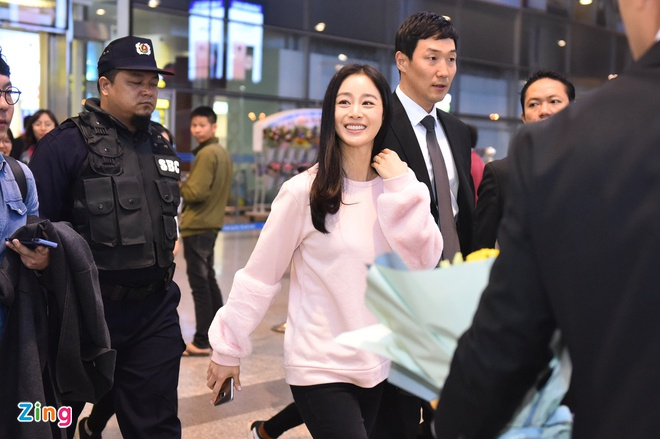 Kim Tae Hee rang ro chao fan Viet khi toi Ha Noi luc toi muon hinh anh 3