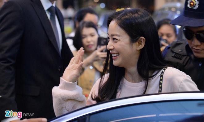 Kim Tae Hee rang ro chao fan Viet khi toi Ha Noi luc toi muon hinh anh 6