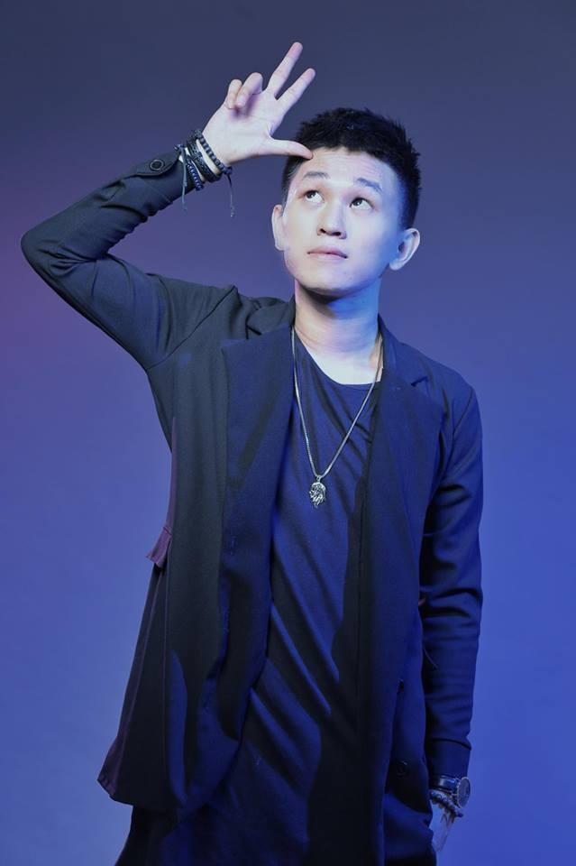 'Con trai cung': Ban rap chi trich loi song dua doi, bat hieu hinh anh 2