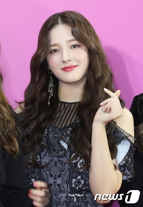 BTS noi bat, lan at dan sao tham gia tham do Melon Music Awards 2018 hinh anh 10