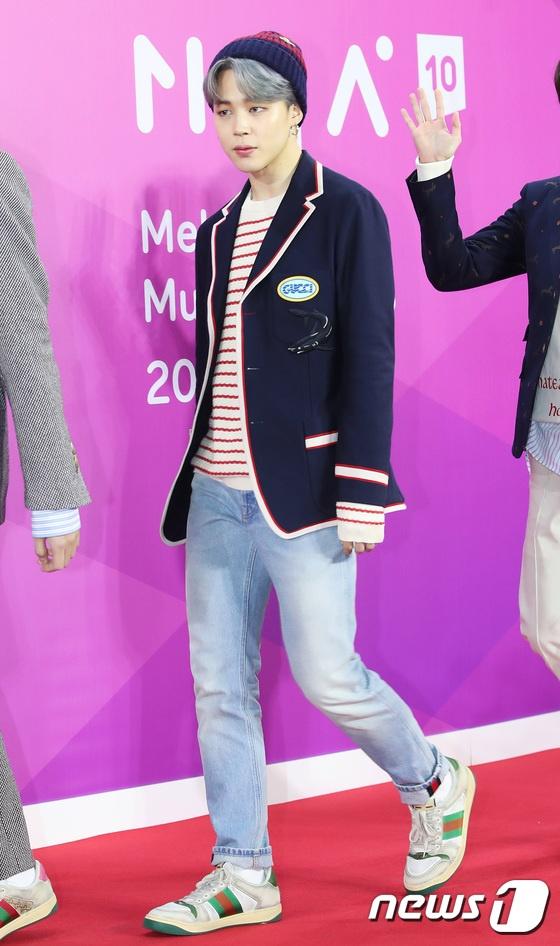 BTS noi bat, lan at dan sao tham gia tham do Melon Music Awards 2018 hinh anh 4