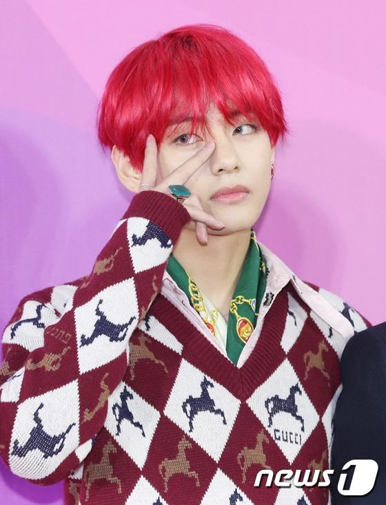 BTS noi bat, lan at dan sao tham gia tham do Melon Music Awards 2018 hinh anh 3