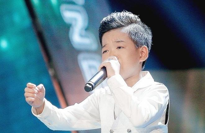 Sau 'Ngam hoa le roi', Minh Chien va 'Bua yeu' gay phan ung trai chieu hinh anh