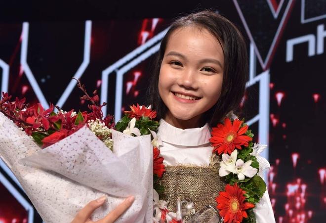 Co be dan ca Ha Quynh Nhu tro thanh quan quan Giong hat Viet nhi 2018 hinh anh