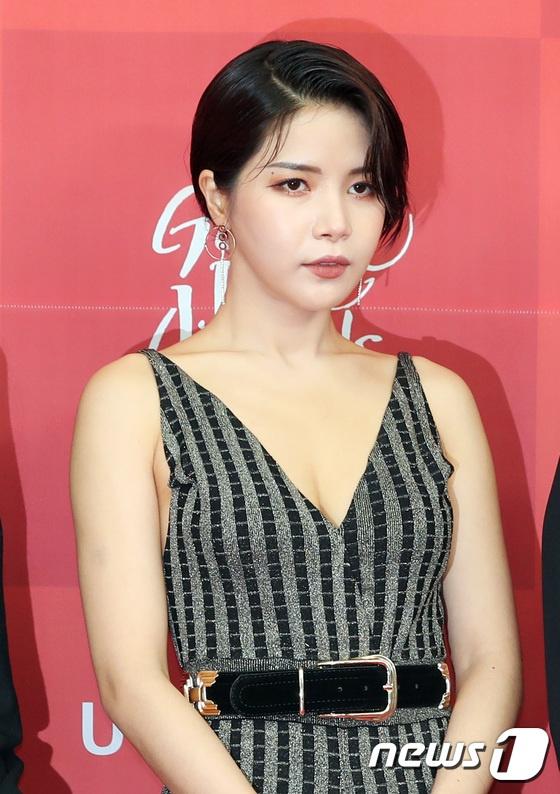 Jennie tren tham do Golden Disk Award anh 9