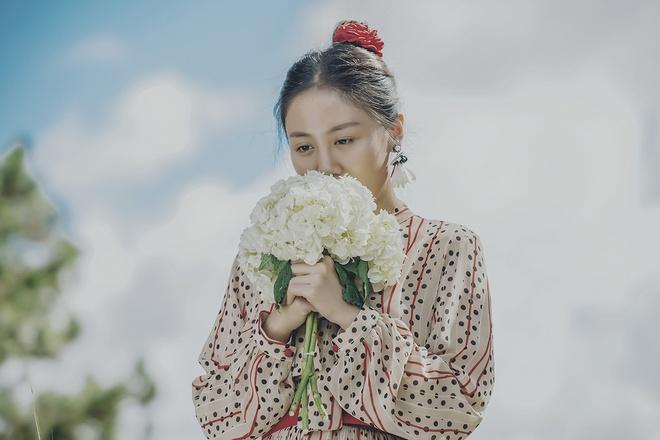 Khan gia cam thay bi 'lua doi' khi xem MV cua Van Mai Huong hinh anh 2