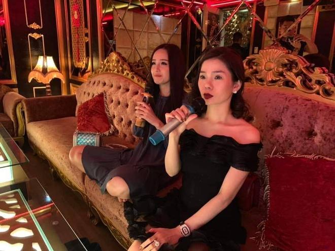 Mai Phuong Thuy cung Le Quyen hat 'De cho em khoc' va nhan gui Vy Oanh hinh anh 1