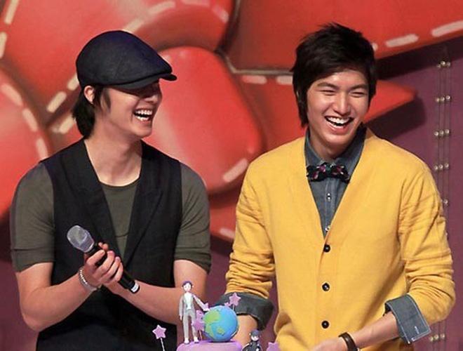 Jung Il Woo khen ngoi ban than Lee Min Ho: 'Cau ay nhu co hao quang' hinh anh 2