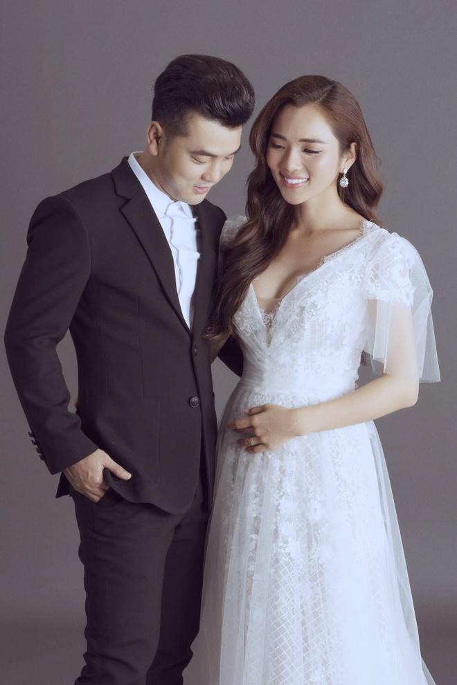 Vo Ung Hoang Phuc hanh phuc thong bao mang thai lan 3 hinh anh 1