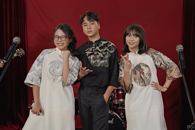 Phuong My Chi cung team The Voice Kids cover hien tuong 'Mot dem say' hinh anh 1
