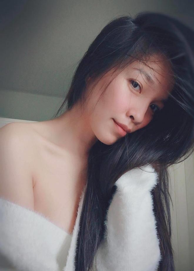 Hien Thuc cham mac do goi cam, khoe dang tao bao o tuoi U40 hinh anh 4