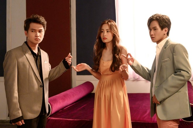 Chu nhan hit 'Hongkong1' tro lai voi MV tinh tay ba kho hieu hinh anh 1
