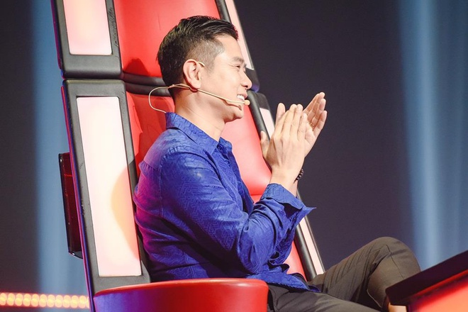 Thanh Ha hanh dong kho hieu, gay tranh cai o vong doi dau The Voice hinh anh 1