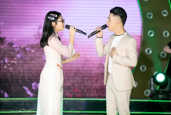 Phuong My chi song ca quoc bao anh 2