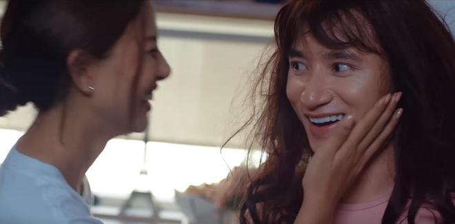 Phan Manh Quynh gia gai, tinh tu ben nguoi yeu hot girl trong MV moi hinh anh 1