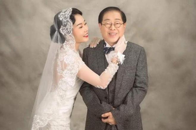 Quá khứ đình đám của nữ ca sĩ 9X cưới đại gia 71 tuổi