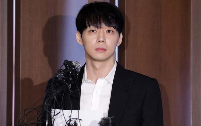 Park Yoo Chun thua nhan dung ma tuy, doi mat muc an 18 thang tu hinh anh 1