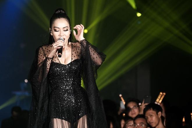 Thu Minh bi to choi xau diva Han Quoc khi hat chung hinh anh 2