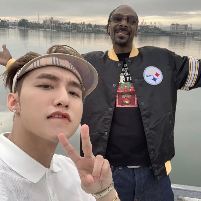 Son Tung tung MV 'Hay trao cho anh' ngap canh gai xinh mac nong bong hinh anh 2