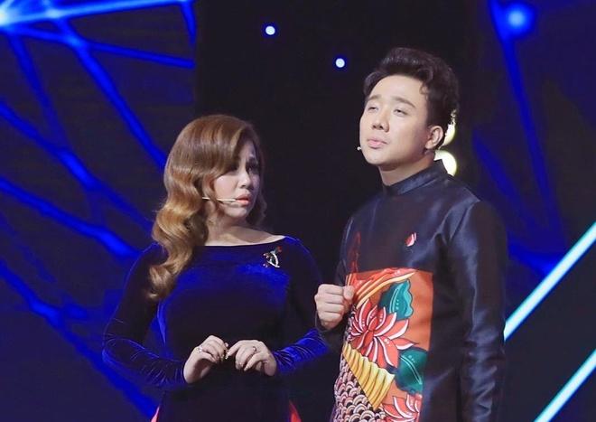 Tran Thanh, Minh Tuyet gay cuoi khi dong gia Truong Vu, Nhu Quynh hinh anh