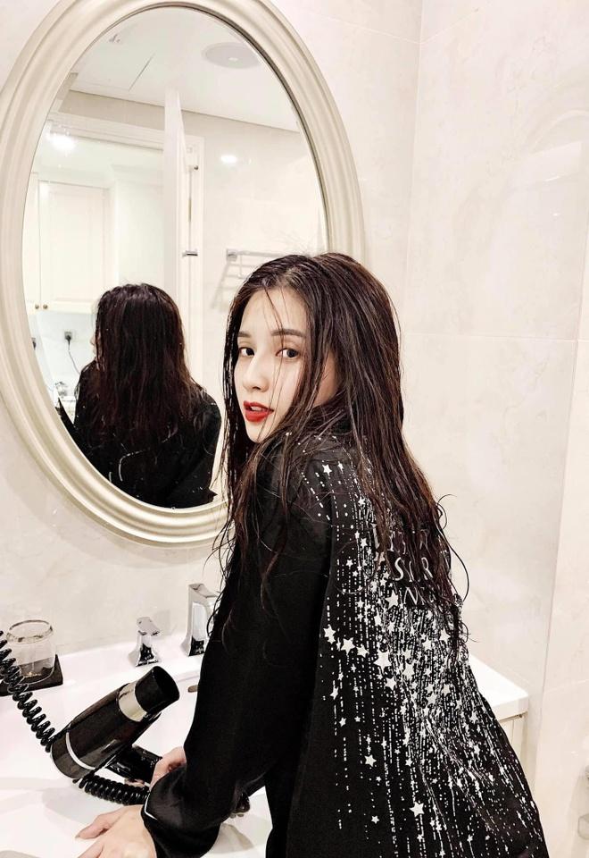 Nu chinh 21 tuoi xinh dep trong MV 'Song gio' cua Jack hinh anh 6