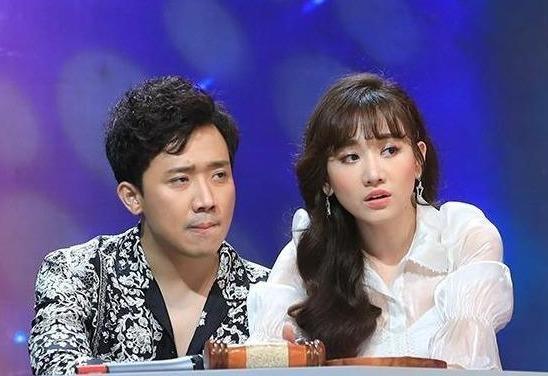Hari Won lien tuc bi Tran Thanh chinh vi noi kho hieu khi lam MC hinh anh