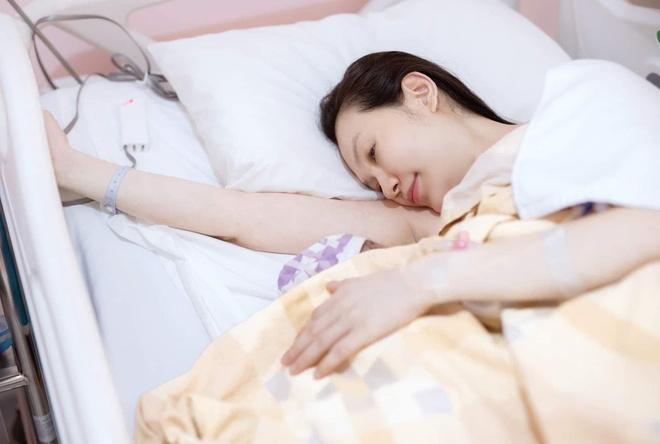 Vợ Tuấn Hưng kể đau đớn và liều lĩnh vì sinh mổ 3 lần trong 5 năm