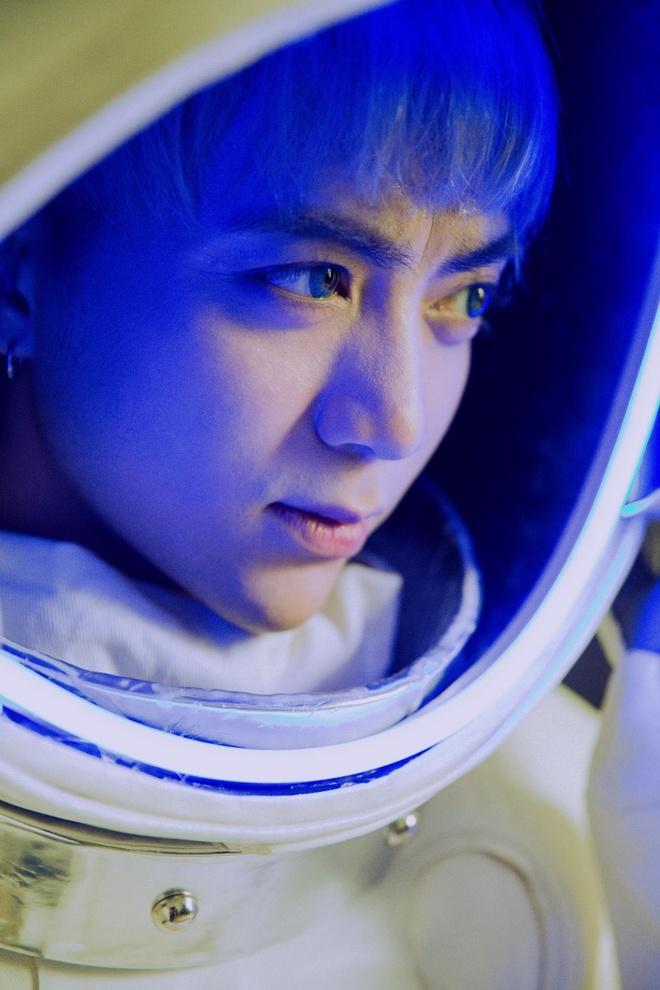 Soobin Hoang Son ke chuyen tinh yeu lang man trong MV moi hinh anh 3